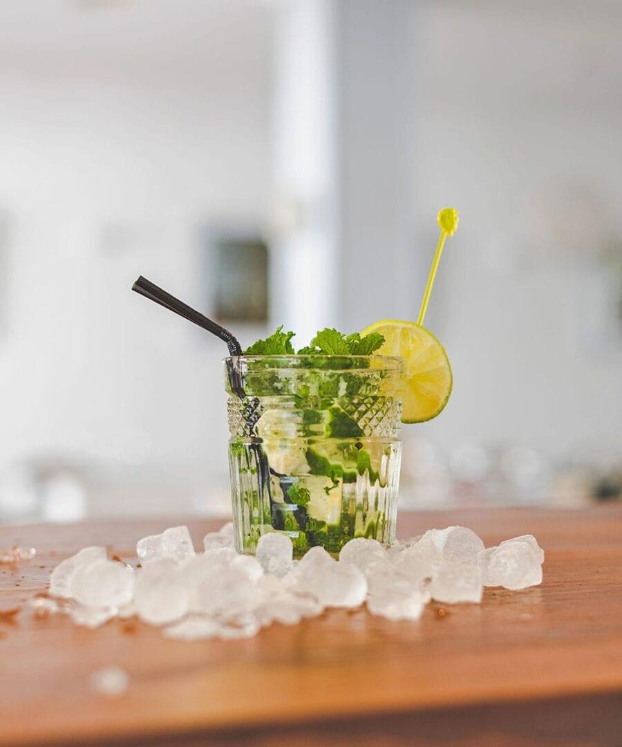 Få kolde drinks med isterninger fra Isklart